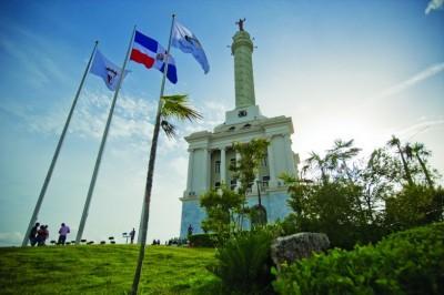 Monumento a los hroes de la restauracion